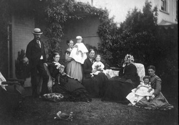 Photograph of Ada Maria Mills Redpath (seated at left) and family, from the collection of Amy Linda Redpath