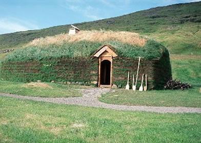 Reconstruction de la maison d'Eirik le Rouge en Islande