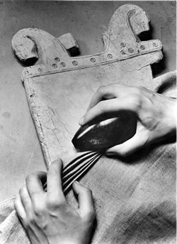 Planche lisseuse et lissoir, Birka, Suède, dixième siècle